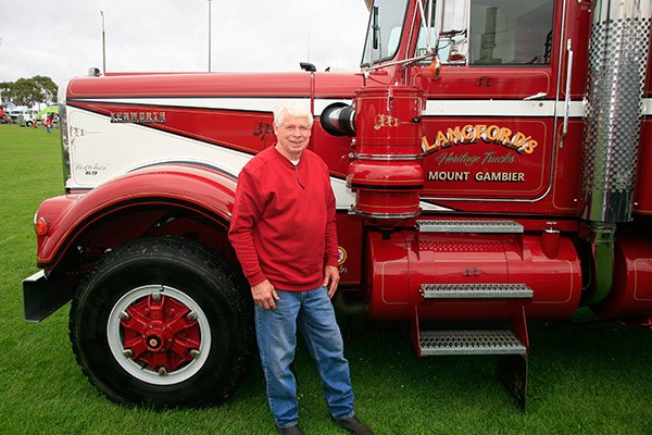 Murray Langford and his 1969 V12 Kenworth.