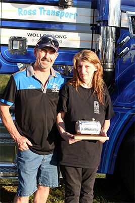 Charity truck show veterans Ron and Julie Duncan.