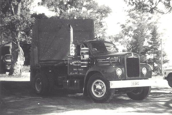 Albert's B Model Mack at Uncle Leo's Roadhouse, Casula, in 1974. Decades later this was the assembly point for the inaugural Haulin' the Hume.