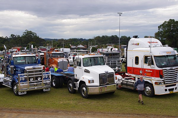 The Yesteryear Truck and Machinery Show TradeTrucks9