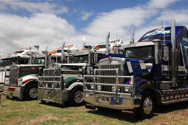 Storr Transport's Kenworth T904, right, received the Steve Gregson Memorial Trophy.