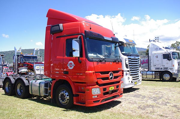 Stillwell Trucks' flashy Benz Actros.