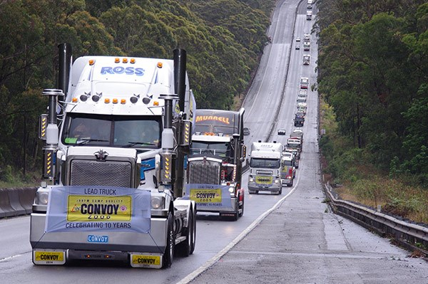 A Ross Transport Western Star nears Mount Ousley.