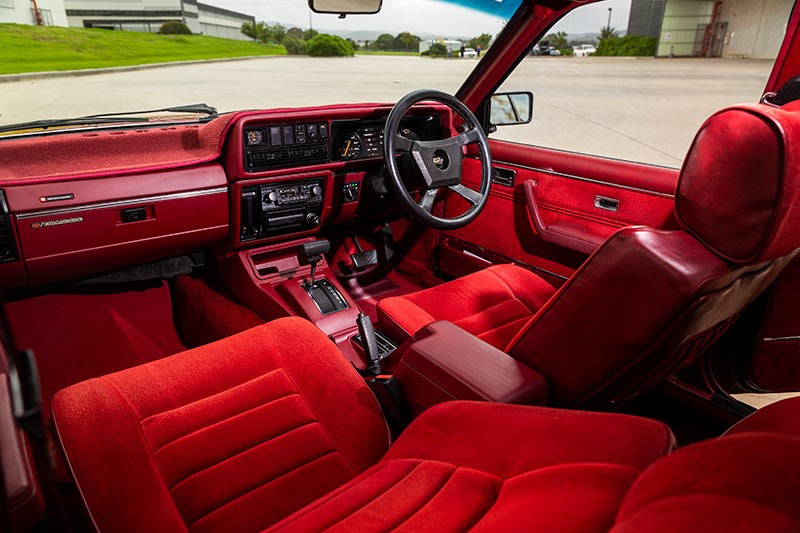 hdt vc commodore interior