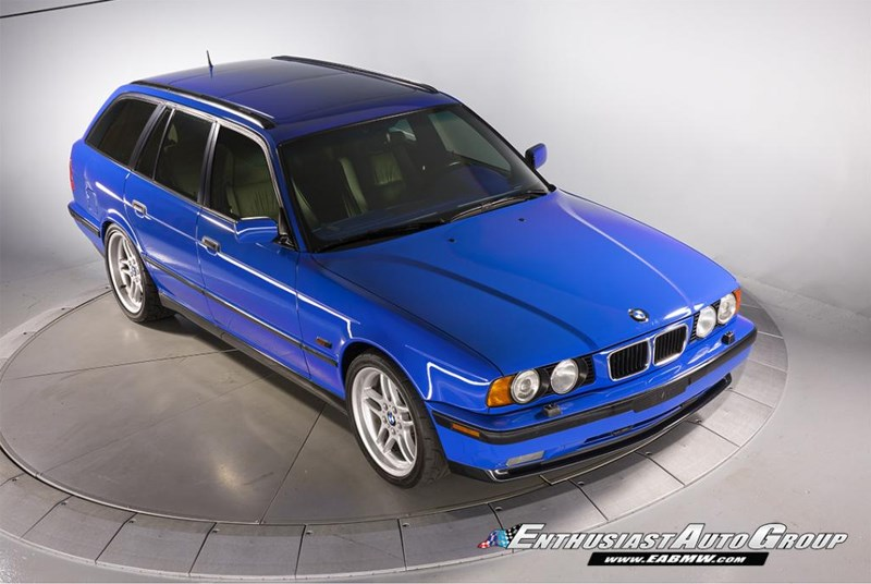 BMW E34 M5 wagon front side 2