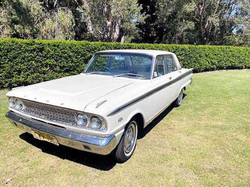 Ford Compact Fairlane front side