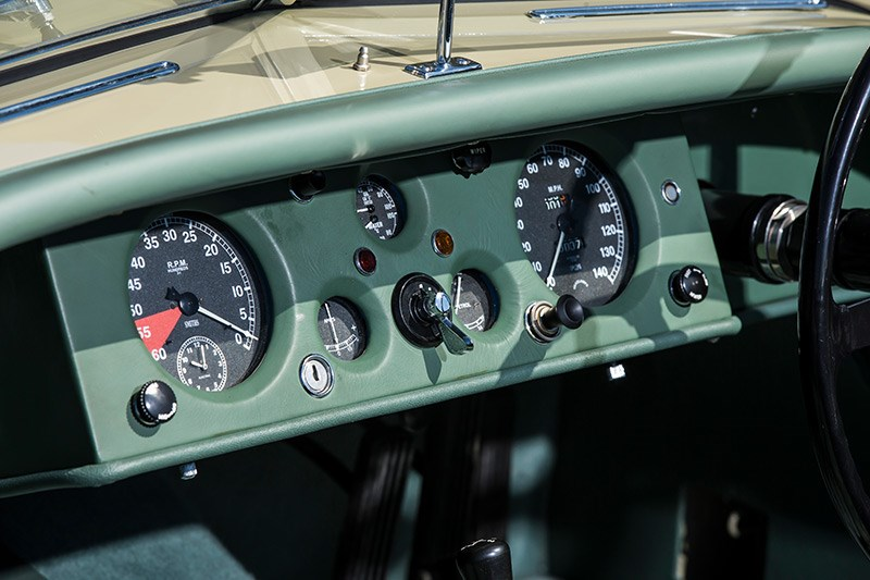 jaguar xk120 dash 2