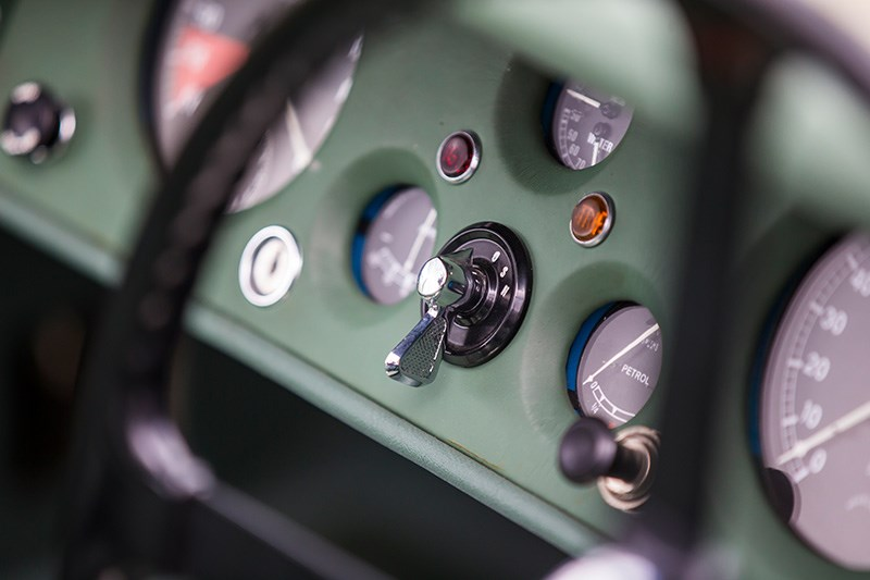 jaguar xk120 dash