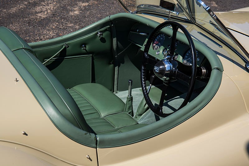 jaguar xk120 interior 2