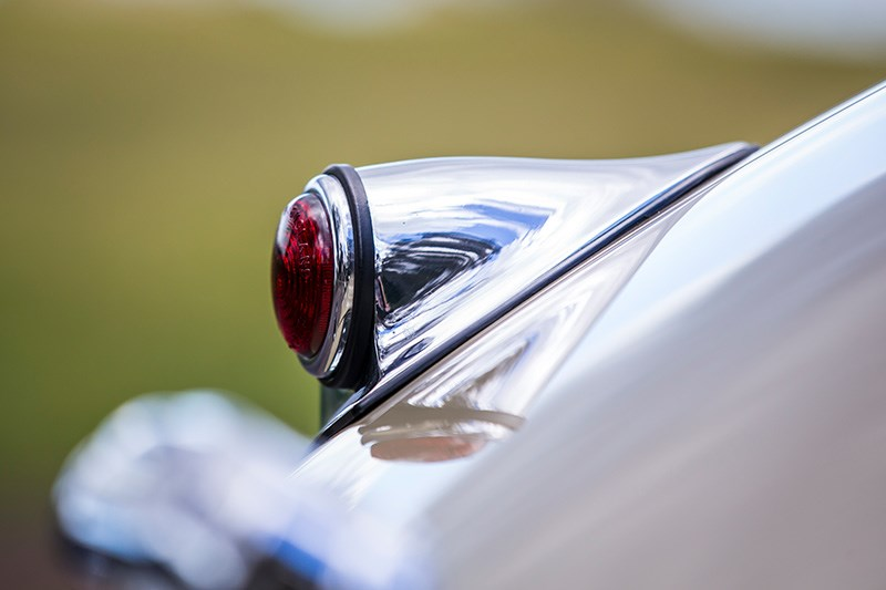 jaguar xk120 tail light