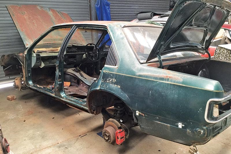 holden vb commodore shell 3