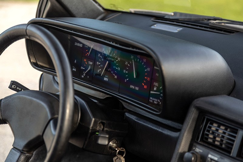 delorean dmc 12 dash 3