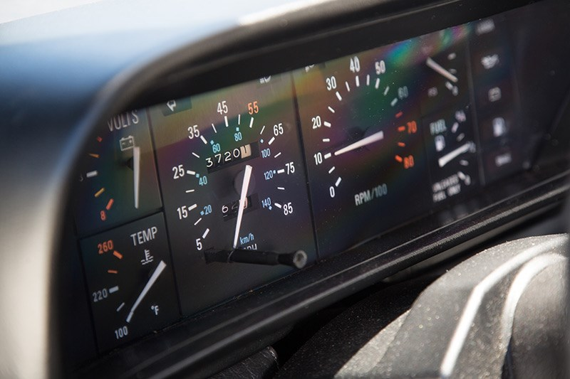 delorean dmc 12 dash