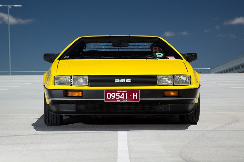 delorean dmc 12 front