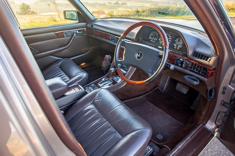mercedes benz 560 sel interior