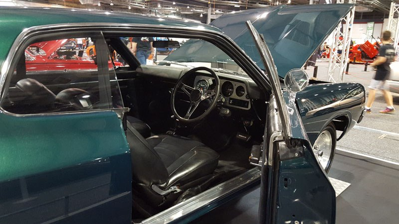 60 Amazing interior on this VH Valiant coupe