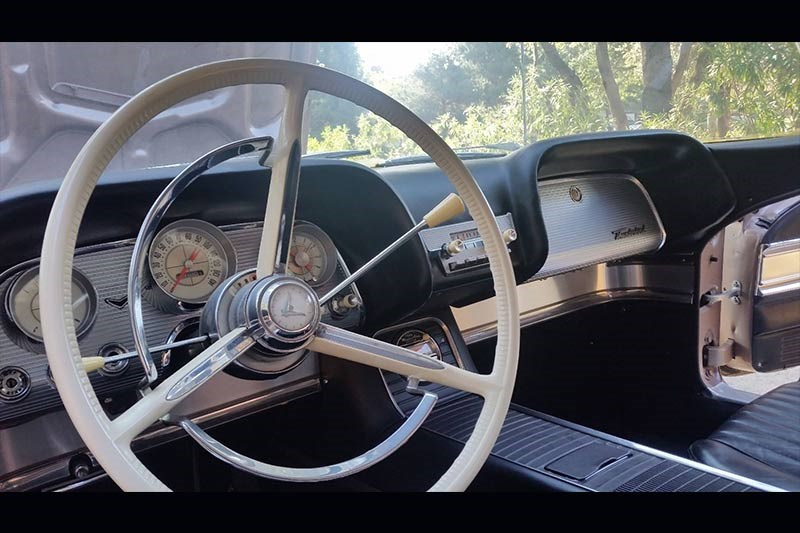 ford thunderbird dash