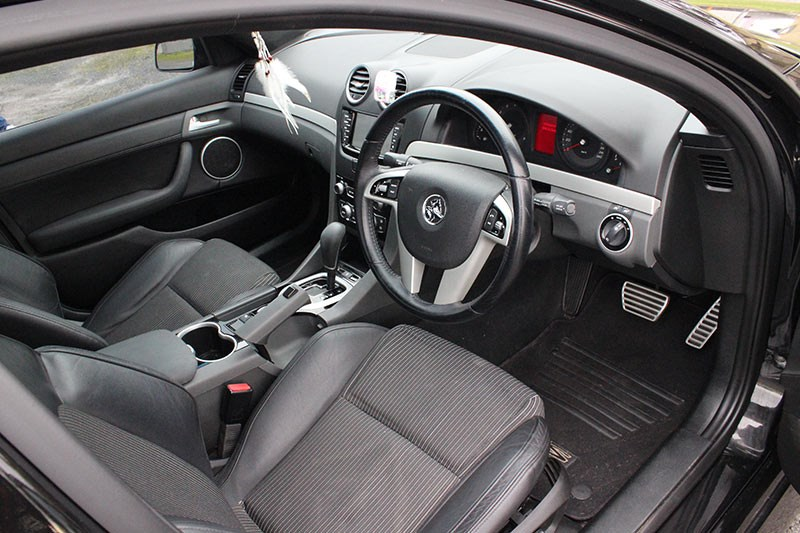holden commodore ss interior 2