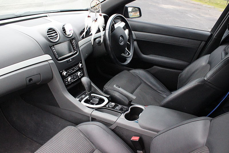 holden commodore ss interior
