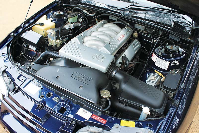 hsv senator engine bay