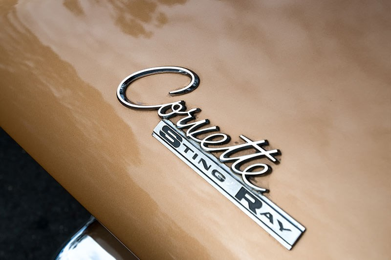 corvette stingray badge