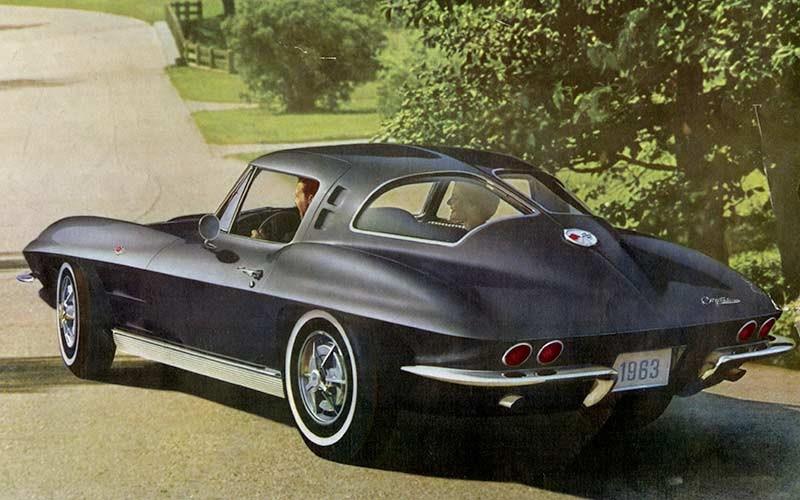 1963 Chevrolet Corvette C2 Sting Ray Past Blast