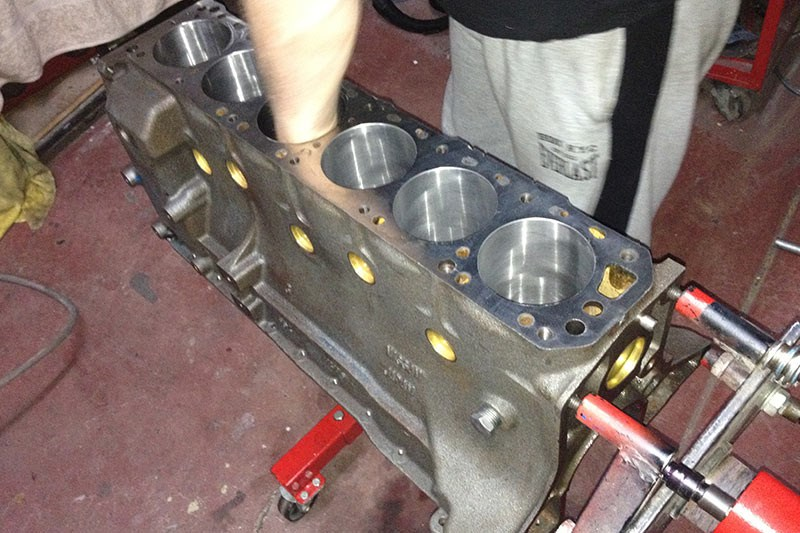 datsun 240z engine block