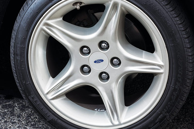 ford falcon gt wheel