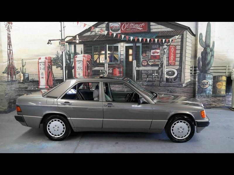 1989 Mercedes-Benz W201 190E