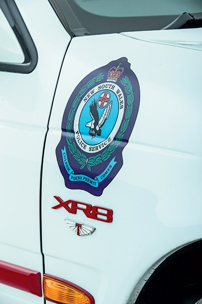 ford falcon xr8 badge 2