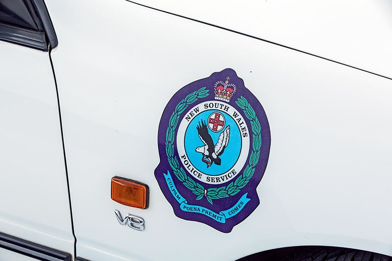 holden commodore police badge