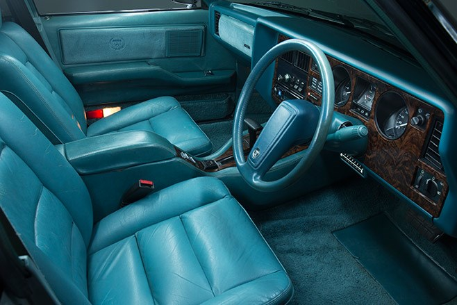 holden wb statesman interior front