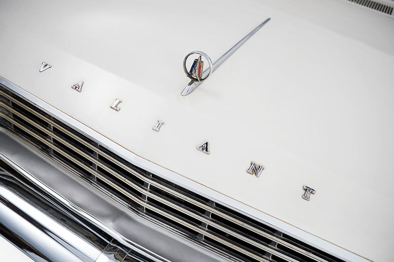 chrysler valiant wagon emblem