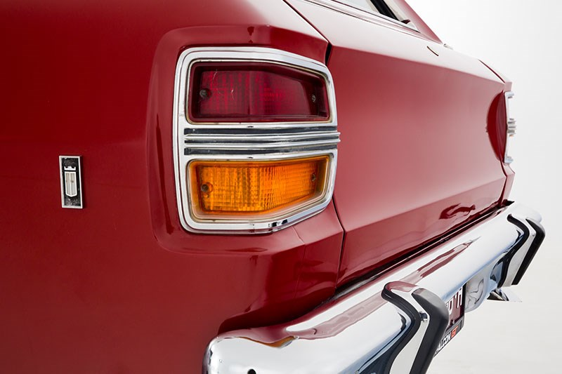 ford xy falcon wagon tail light