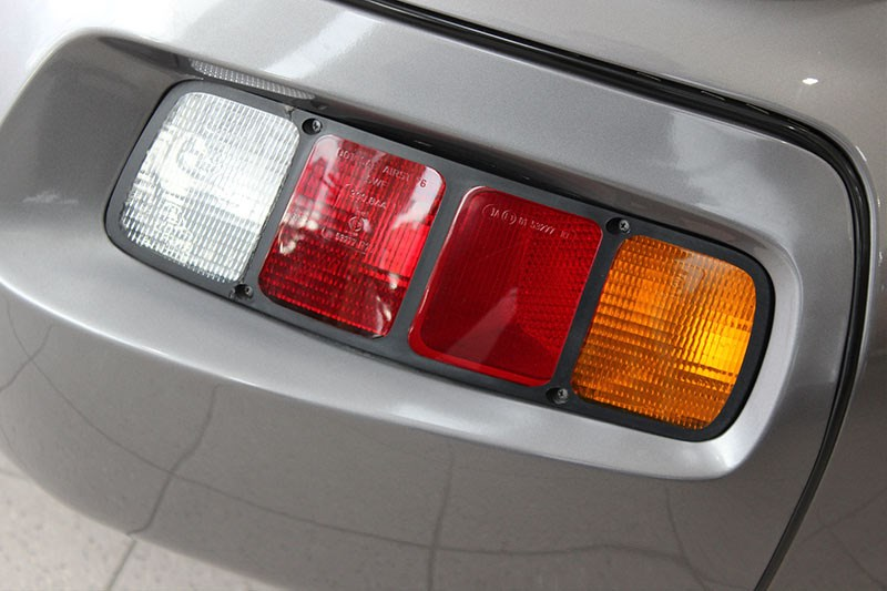 porsche 928 tail light