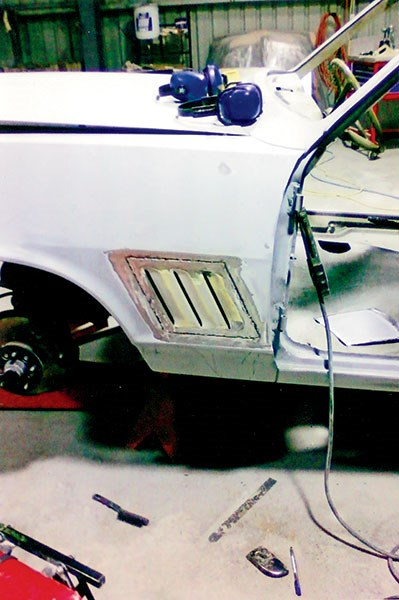 holden torana build shot 4