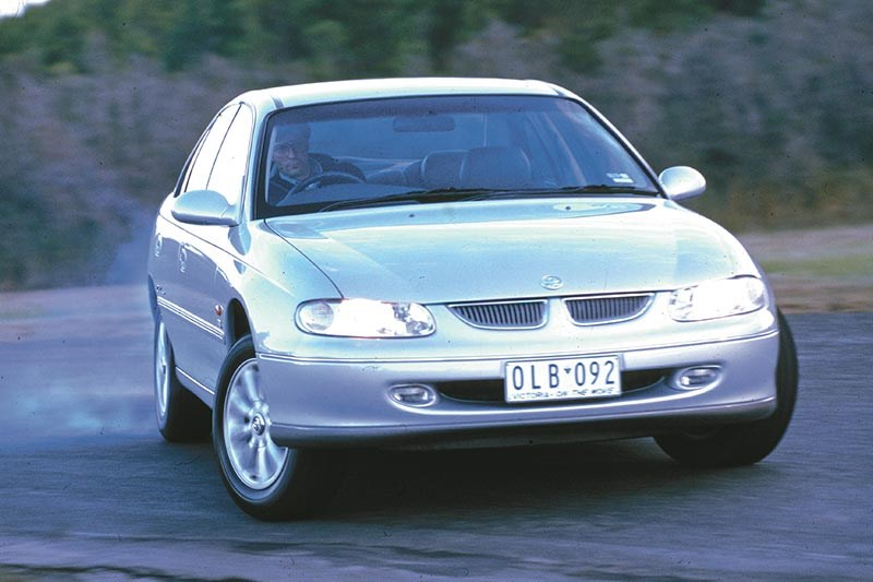 holden vt commodore 2