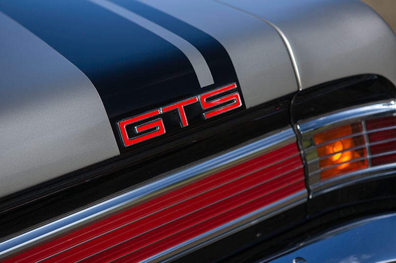 holden monaro gts 327 tail light