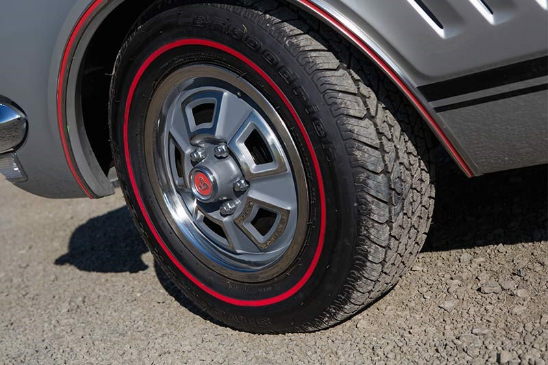 holden monaro gts 327 wheel 2