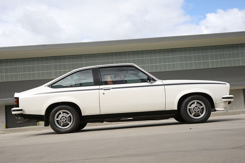 holden torana lx side