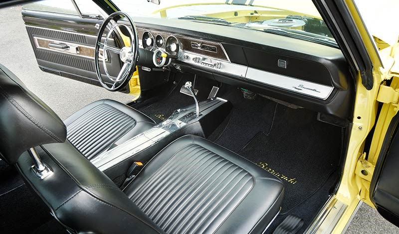 barracuda interior front 2