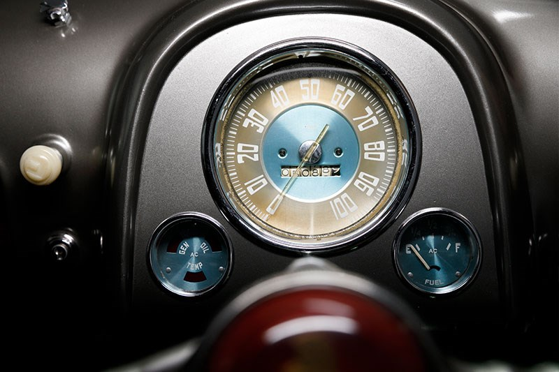 holden 48 215 gauges 2