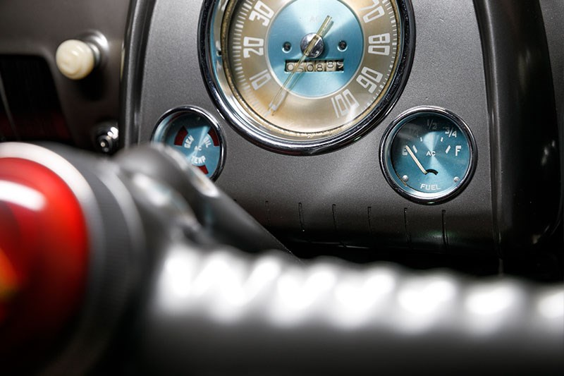 holden 48 215 gauges