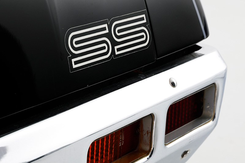 holden hq ss badge