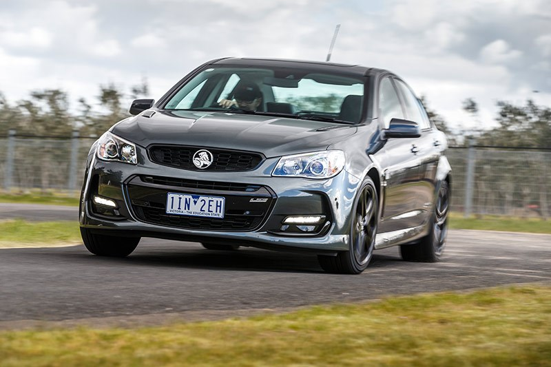 holden vf commodore onroad 4