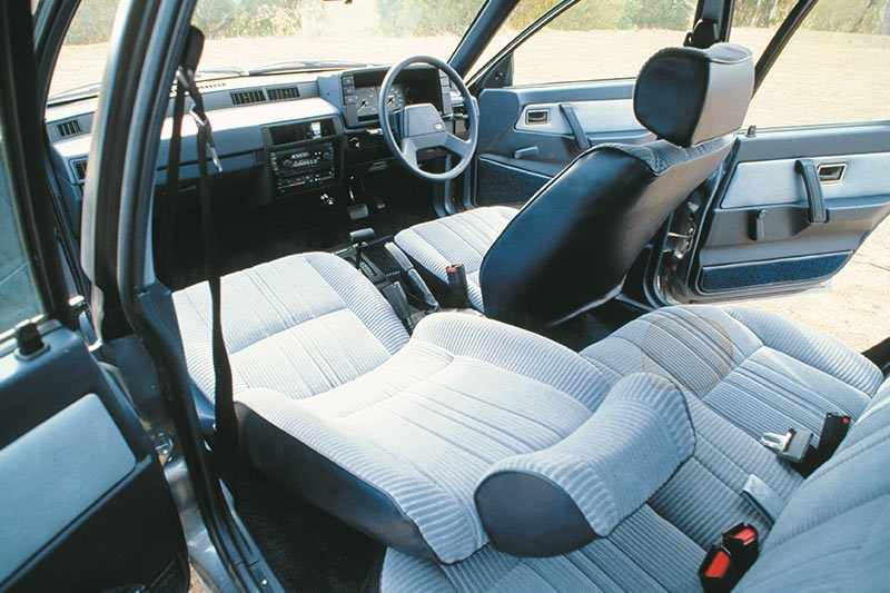 holden camira interior