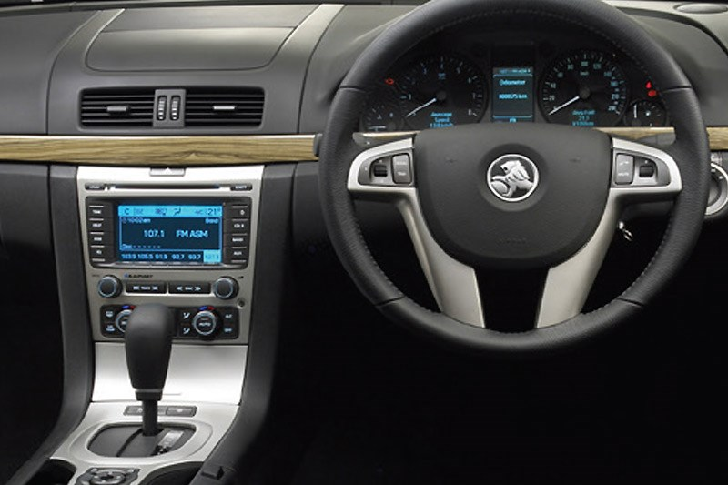 holden commodore ve interior