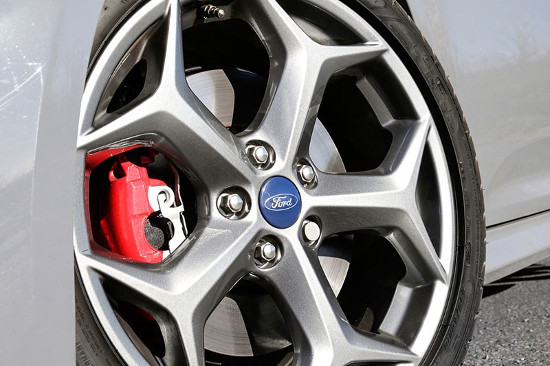 ford focus wheel