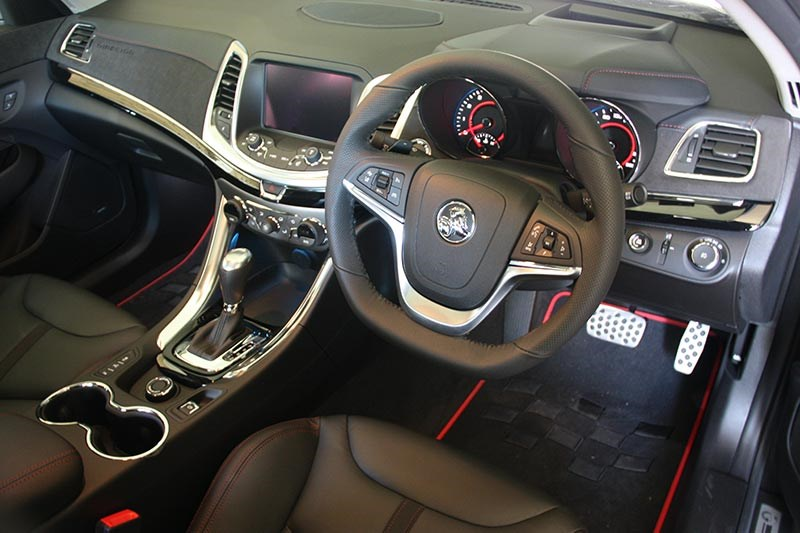 holden commodore director interior front