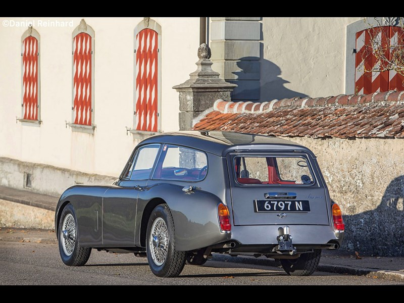 jaguar xk150 tow car rear